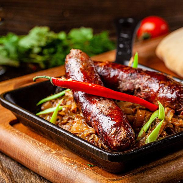 Подварак з яловичими ковбасками